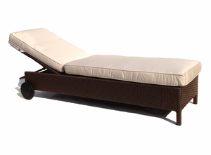 Outdoor Wicker Chaise - Sonoma