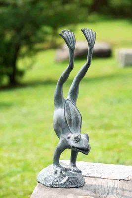 Acrobatic Garden Frog Garden Statue That Attracts One And All Brand SPI-HOME