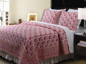 Bohemian Berry Cotton Quilt Queen Size 3 Pcs Set Brand Greenland Home fashions