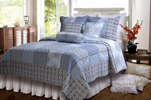 Casa Azure Reversible Quilt Set for Full/Queen Bed with Shams Brand Green Land