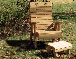 Cedar Royal Country Hearts Patio Chair & Footrest Set by Creekvine Design
