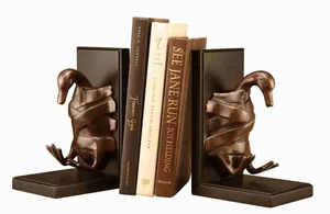 Duck Tape Bookends Makes Reading Spaces More Interesting Brand SPI-HOME