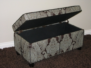 Elegant Cushioned Fine Printed Paisley Storage Bench by 4D Concepts