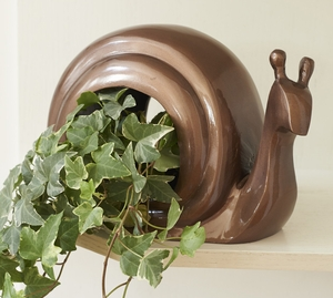 Good Directions Cast Aluminum Snail Shaped Bird Feeder in Bronze Brand Good Direction