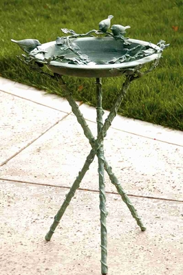 Love Birds & Branch Birdbath Adorned With Beautiful Birds Brand SPI-HOME