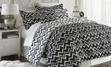 Naty Black Full Queen Sized Printed Reversible Comforter Set of Five Pieces