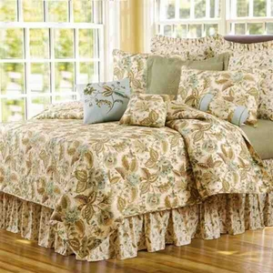 Quilt King Size, Amelia Blue, 108 Inch X 92 Inch, Handmade Brand C&F