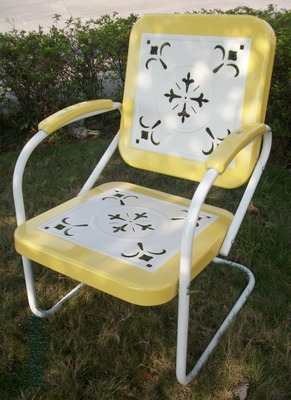 Retro Style Vintage Yellow bordered White Metal Chair by 4D Concepts