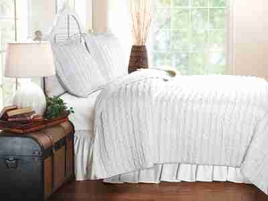 Ruffled White Quilt Queen Set With 2 Shams, Queen Size Quilt Brand Greenland Home fashions