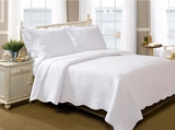 San MarinoLa Jolla Queen Sized Quilt Set in White