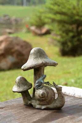Snail & Mushroom Garden Statue Certain To Be In Fashion For Years Brand SPI-HOME
