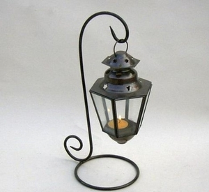 Southampton Artistic Ship Lantern With Decorative Sturdy Stand Brand IOTC