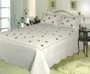 Spring Leave Hand Crafted Super King Size Cotton Quilt in White Brand Elegant Decor