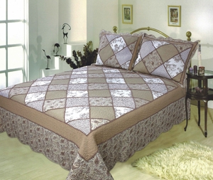 The Jacqueline handmade quilt with elegant patchwork design super king size 118 x 102 Brand Elegant Decor
