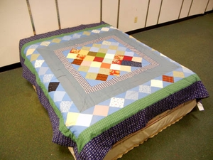 Trip to the world (Diamond) Queen Sized Quilt with 100% Poly Fill by American Hometex