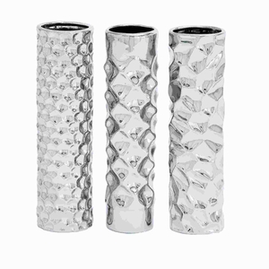 Unique Ceramic Vase 3 assorted with Smooth and Slick Texture Brand Woodland