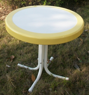 White Metallic Round Stand with Pretty Yellow Border by 4D Concepts