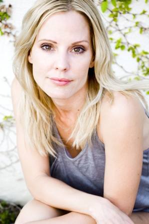 EMMA CAULFIELD AT CHICAGO COMIC-CON - ONLY HER 2ND US APPEARANCE