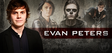 Evan Peters VIP Experience @ Chicago Comic Con 2014