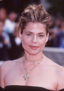 GAREB SHAMUS WELCOMES LINDA HAMILTON TO THE WIZARD WORLD COMIC CON TOUR!