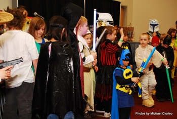 It's Like Halloween In April!  Costume Contests Set For Saturday & Sunday @ Anaheim Comic Con
