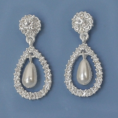 BRIDAL BUZZ PEARL EARRINGS - SOLD OUT