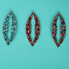 CRYSTALS CONNECTED EARRINGS