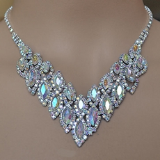 EXCITE RHINESTONE JEWELRY SET IN CLEAR-AB