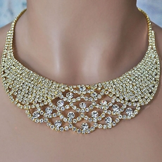 GLAMORIZE GOLD JEWELRY NECKLACE AND EARRINGS SET