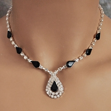 ITS DELOVELY BLACK JEWELRY SET FOR YOUR BRIDESMAIDS - 2 REMAINING