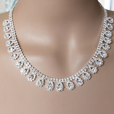 SHIMMERING DROPS RHINESTONE NECKLACE SET