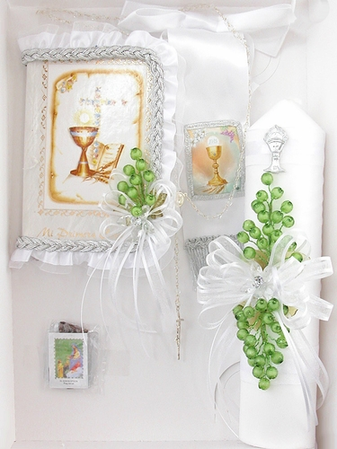 Boys First Communion Candle Gift Set w/ Green Grapes - Spanish