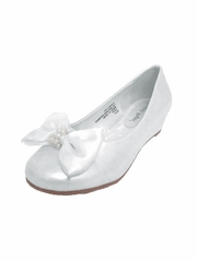 White Bow Embellished Round Toe Shoe