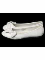 Childrens White Flat Shoes w/ Bow