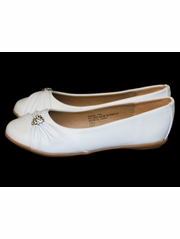 White Childrens Flat Shoes w/ Rhinestone Heart