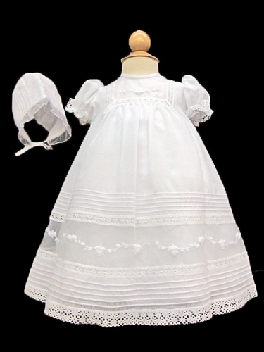 Will'beth White Embroidered Gown w/ Bonnet