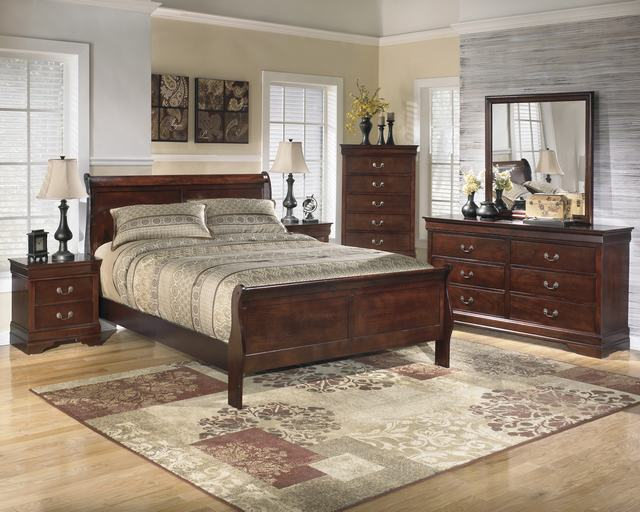 Ashley Queen Sleigh Bedroom Set 640 x 512