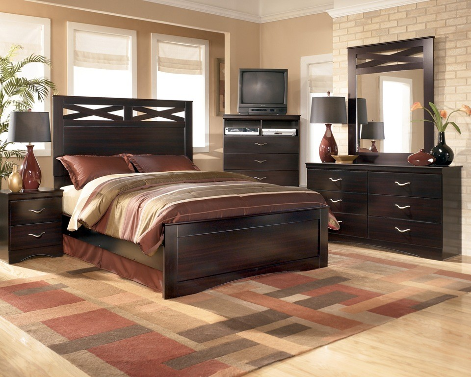 ... B117-31/36/54/57/96 Queen Panel Bedroom Set - Chicago Furniture Store