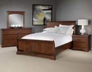 Broyhill 4740-264-265-460 Rhone Manor Bedroom Furniture Eastern King Sleigh Bed
