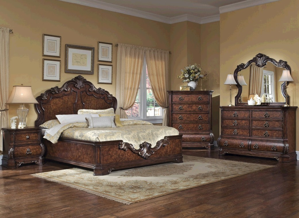 Clearance Item Pulaski 9621 Wellington Manor Bedroom Set