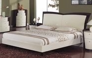 Global Furniture NEW-YORK-BEI-W-QB New York-Bei/W Beige & Wenge Queen Bed