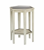 Pulaski 675136 Accent Table