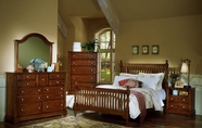 Vaughan Bassett BB19-556-655-911-002-446 Cottage Bedroom Collection