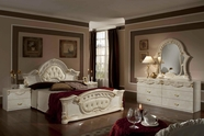 VIG Furniture VGACROCOCO-SET Rococco - Italian Classic Beige Bedroom Set