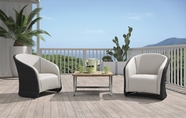 VIG Furniture VGHTDH72 H72 - Modern Patio Lounge Set