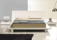 VIG Furniture VGKC-STORY-WHT Story White Platform Bed & 2 Nightstands