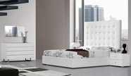 VIG-Furniture VGKCLYRICAWHT Lyrica White Leather-Tall-Headboard-Bed-Dresser-Mirror Bedroom Set