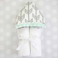 GRAY ARROW & MINT HOODED TOWEL