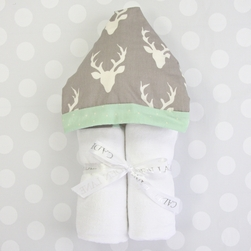 WOODLAND DEER HOODED TOWEL