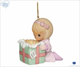 Precious Moments The Wonder Of Christmas Girl ornament